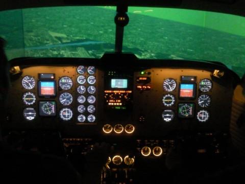 Általában a repülőgép szimulátorba sem ülhet be akárki. Ma ezt is megtehették az érdeklődők.